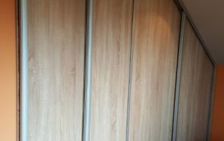 Satnik-posuvne-dvere-podkrovie-01