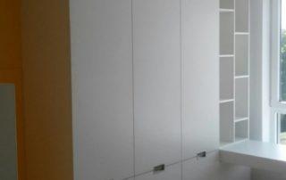 detska-izba-zlta-poschodova-postel-s-odkladacim-priestorom-2
