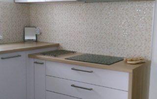 kuchyna-biela-lesklá-jáslovské-bohunice-3