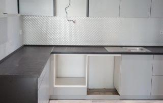 kuchynska-linka-šedá-čierna-pracovná-doska-2