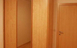 skrina-s-jednym-zrkadlom-3-dverova